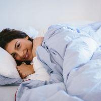 نوجوان لڑکی نے لوگوں کے بستر گرم کرنے کا کام کیوں شروع کیا ؟ اور وہ اس کام کا کتنا معاوضہ لیتی ہے؟ آپ بهی جانئے..