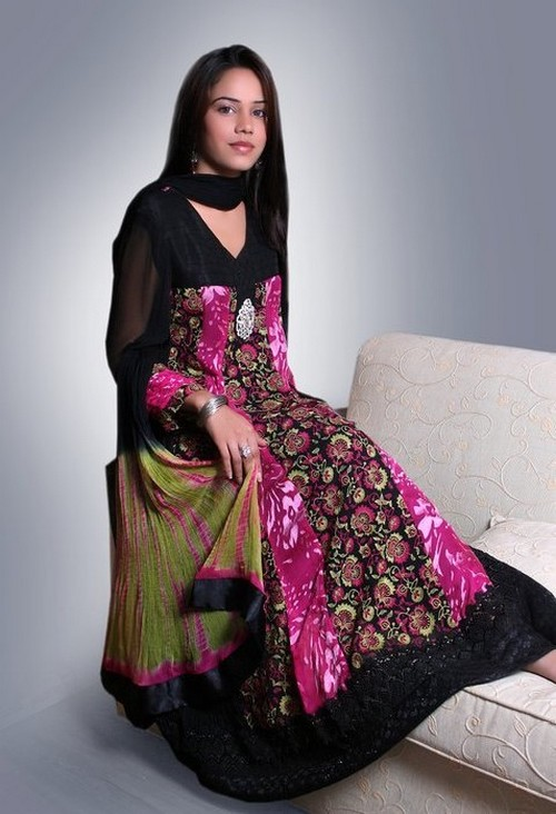 Latest-Pakistani-Fashion-Of-Eid7