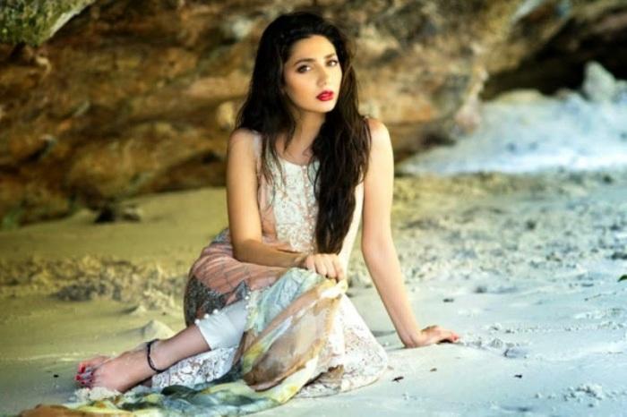 Mahira-Khan-HD-Wallpaper-Raees