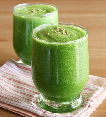 Celery-Cucumber-and-Apple-Smoothie.jpg