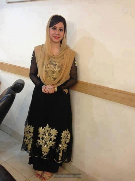 Geo newscaster - Rabia Anum.jpg