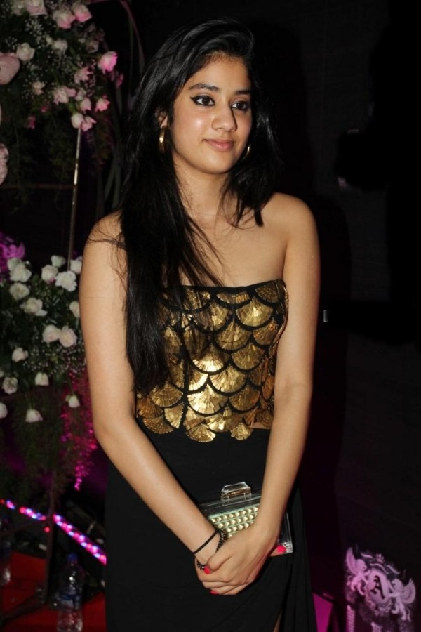 jhanvi-kapoor-daughter-of-sridevi.jpg