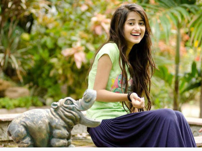 Sajal-Ali-Pakistani-Actress-Biography-And-Pictures-3.jpg