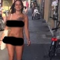 """I DIDN'T WANT TO GET DRESSED"": WOMAN WALKS UNASHAMEDLY NAKED THROUGH STREETS (see video)"