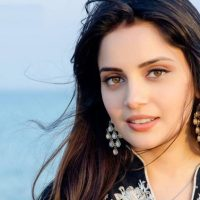 پاکستانی اداکارہ ارمینہ خان غیر ملکی فلم میں روبوٹ کا کردار ادا کریں گی