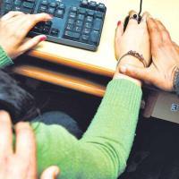 سوات میں جنسی ہراسانی: 'نوکری کے لیٹرکےلیے پیسےیا جسم کی شرط